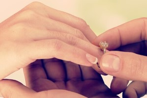 אז מה אתם כבר יודעים על טבעות האירוסין?