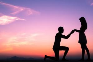 מה הדרך הנכונה להציע נישואין?