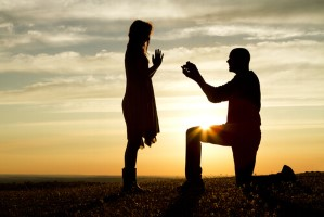 מדריך הצעות נישואין במהלך טיול סוסים