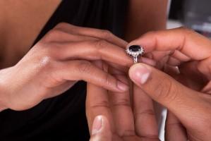 ההבדלים בין טבעות אירוסין לטבעות נישואין