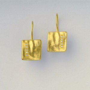 עגילי יהלומים יקינטון - EG0024D10